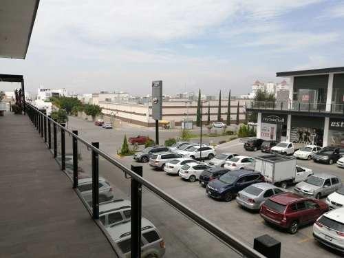 local en plaza  master  milenio 35m2 en planta alta