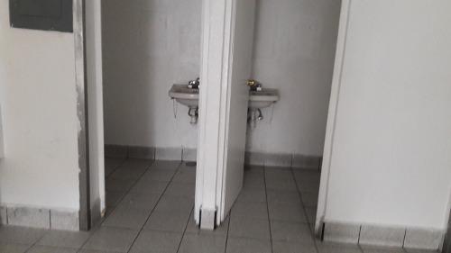 local en renta 2 pisos