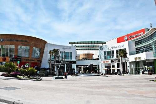 local en renta 540 m2 / centro comercial el triángulo.