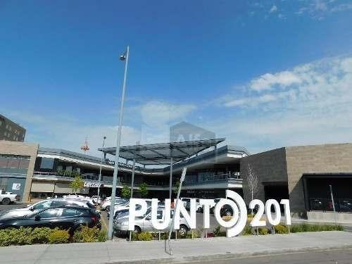 local en renta celaya, guanajuato, plaza punto 201.