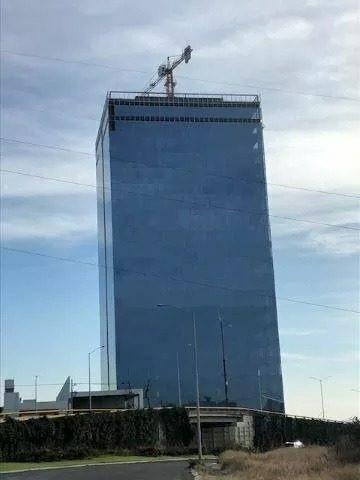 local en renta. corporativo titanium , el campanario. clr190513-ae