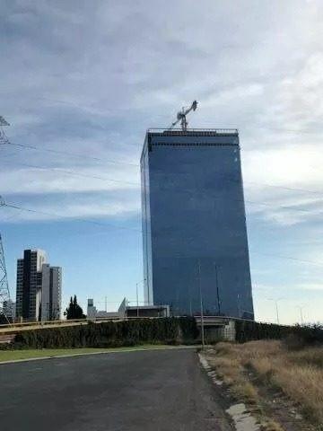 local en renta. corporativo titanium, el campanario. clr190513b-ae