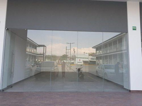 local en renta en master plaza, san pedrito peñuelas // clrc - nv