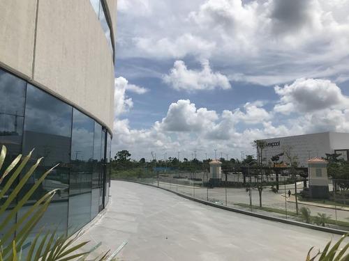 local en renta en sky work enfrente cabo norte y plaza la isla