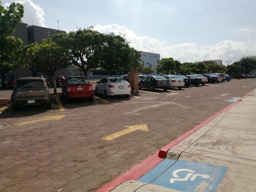local en renta en veracruz boca del rio plaza mocambo select