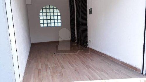 local en renta, lomas estrella, 12 m2, sobre calle principal, baño, recien remodelado