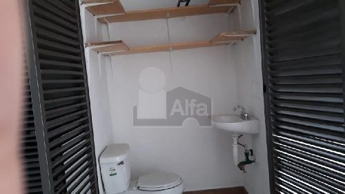 local en renta, lomas estrella, 15 m2, sobre calle principal, con bodega,baño