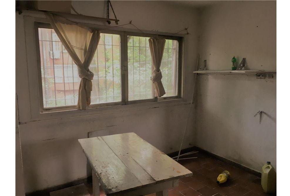 local en san isidro diagonal hospital de niños