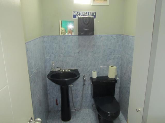 local en venta 1 baño 1 puesto