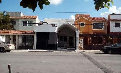local en venta con oficinas o casa en cancún en tikal sm 41