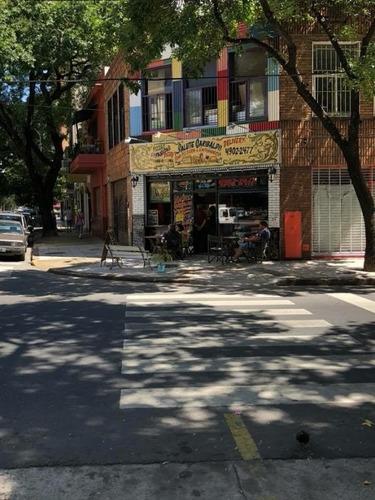 local en venta en esquina con renta funciona una pizzeria