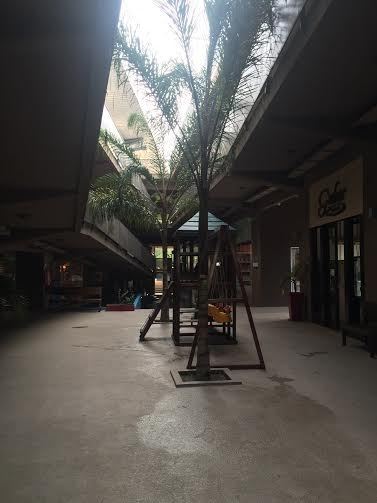 local en venta en paseo comercial vía pilar, planta alta