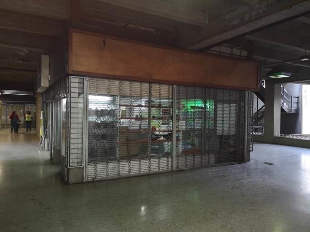 local en venta-  yennief rojas  codigo-mls #19-19475