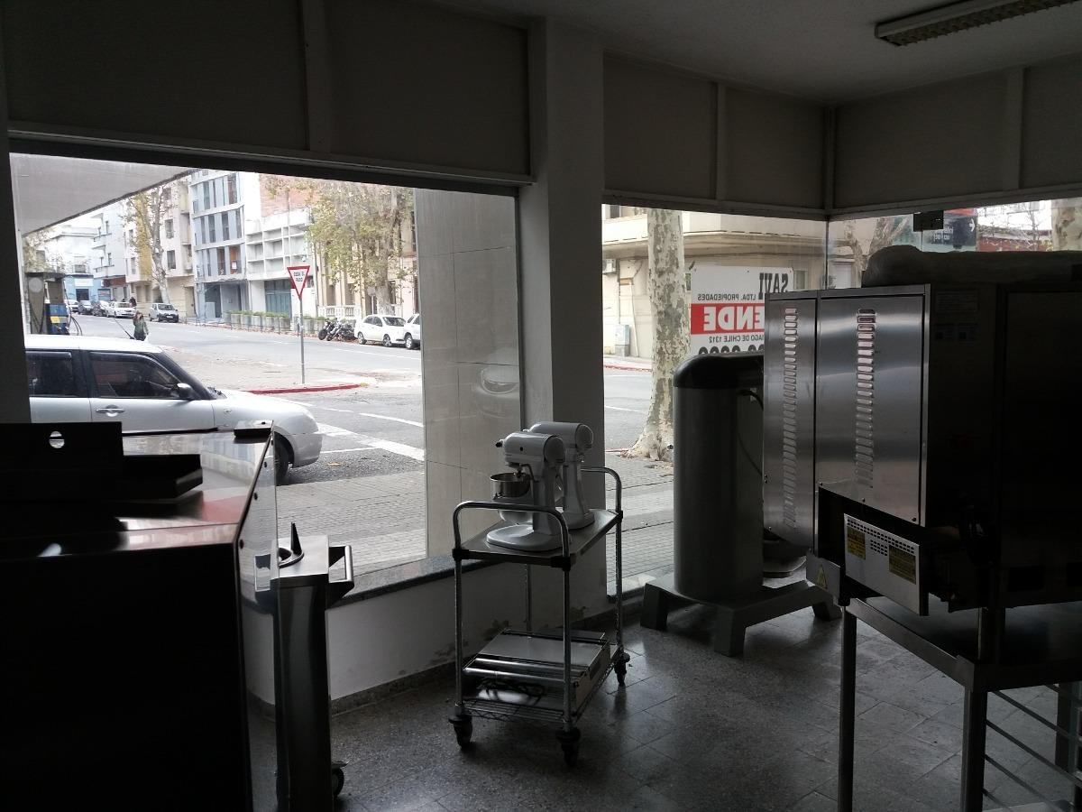 local esquina calle canelones y z michelini