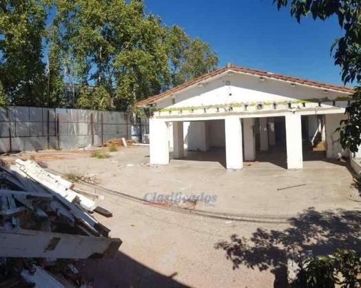 local esquina r.nuñez fte. johnny b good!!! 780t demolido