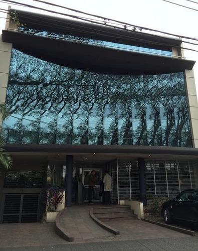 local frente al club casi san isidro