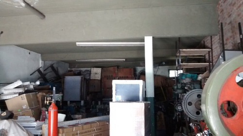 local + garage + casa y fondo