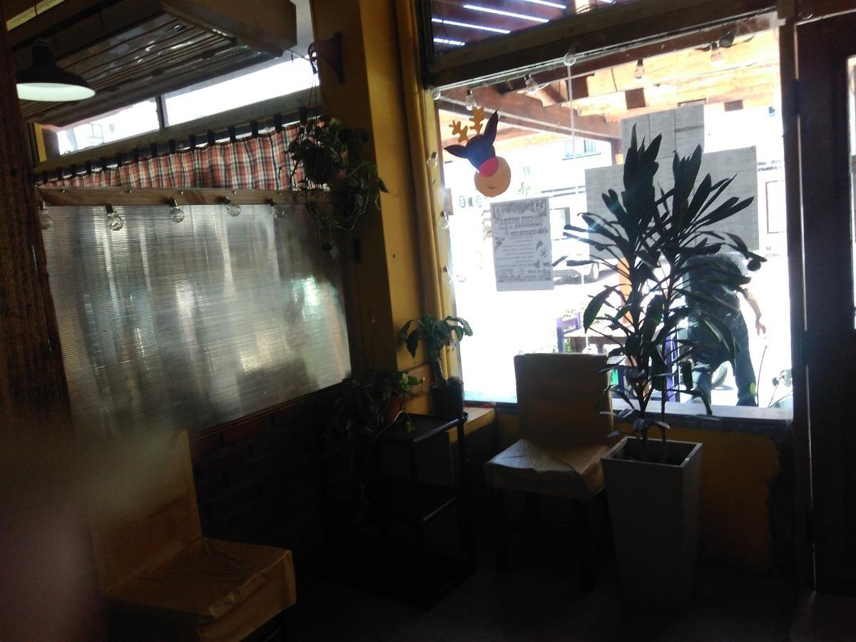 local gastronomico  con vivienda pleno centro a convenir