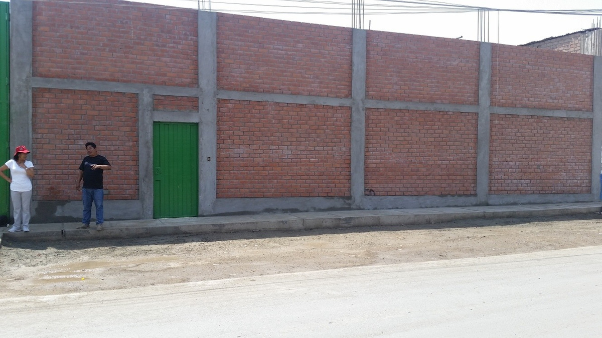 local industrial de 1,700 m2 en puente piedra $ 1,300.000