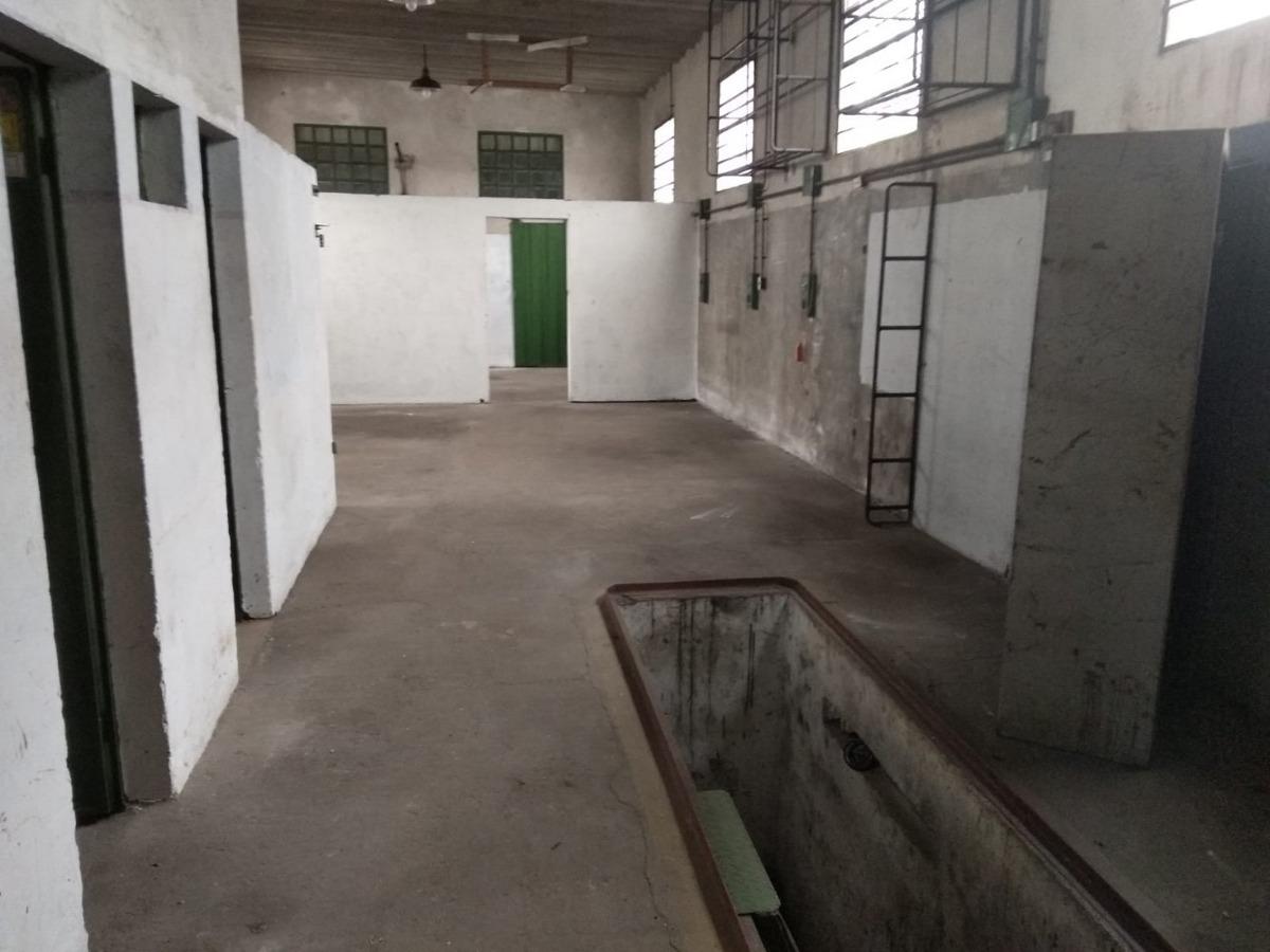 local industrial en logroño y silva u$s 90000 c/renta v124