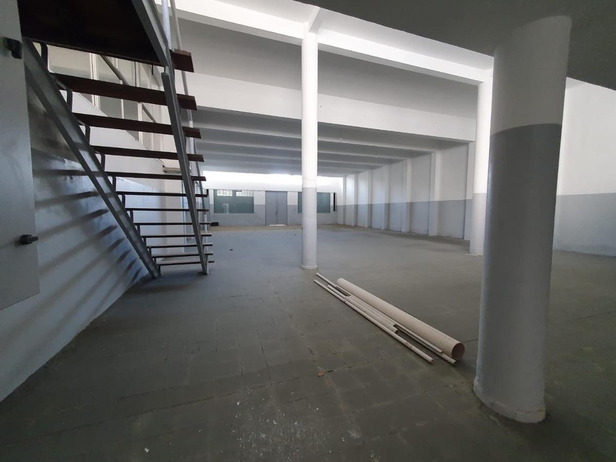 local industrial/ gym/club/barraca jose l terra