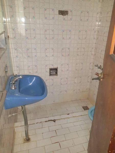 local inmejorable esquina lavadero funcionando