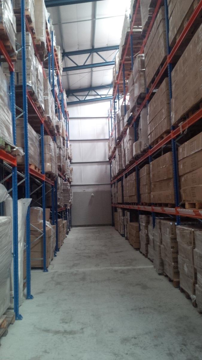 local logistico empresa abandona el pais y regala propiedad.