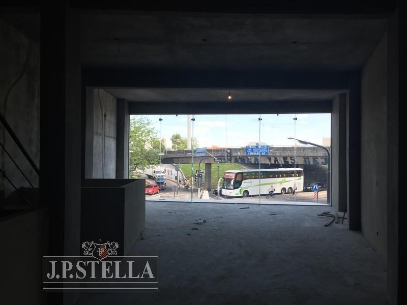 local losa 193 m² en 2 plantas - alberdi esq gral paz - mataderos