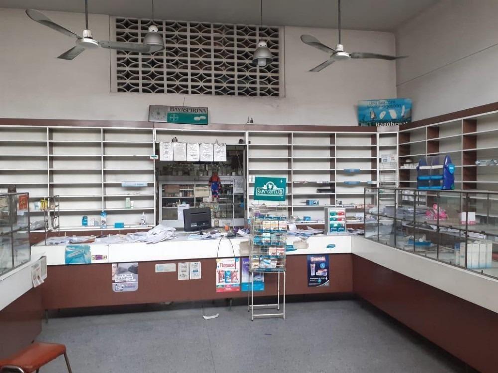 local, negocio c/deposito y laboratorio (farmacia)