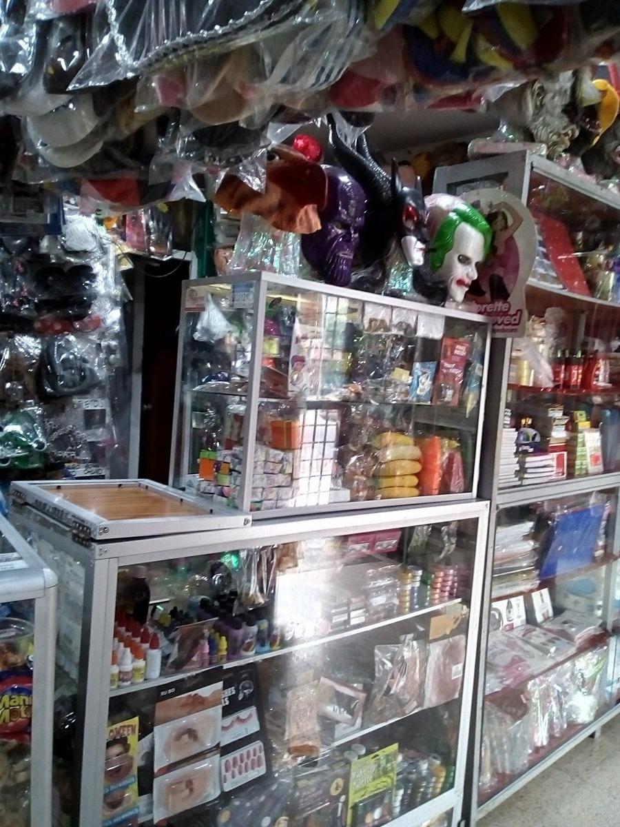 local o almacén de artículos de piñateria y bromas