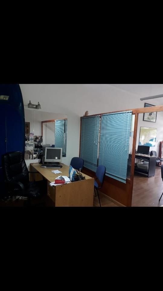 local / oficina sobre avenida