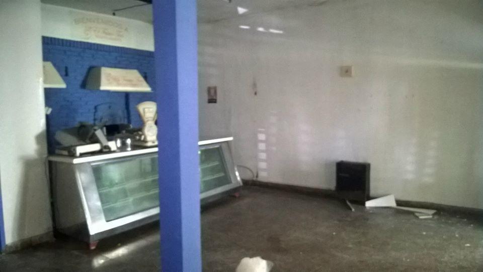 local panaderia y dos departamentos de 2 ambientes cada uno