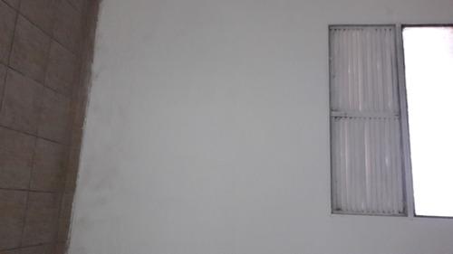 local planta baja frente,  vidriano.  bajo y frente edificio