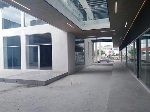 local premium en renta para restaurante / plaza comercial sobre blvd. atlixcáyotl.
