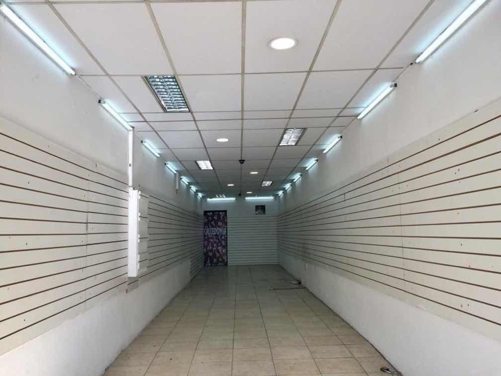 local sobre agraciada esq. emilio romero paso molino 100 m2