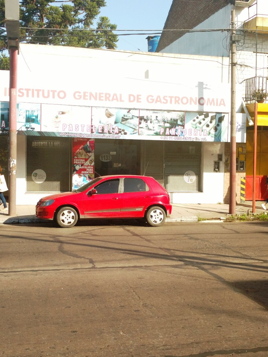 local sobre av. boulevard bs as