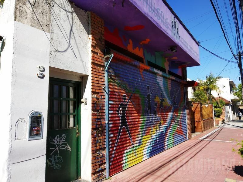 local sobre calle américa- villa ballester