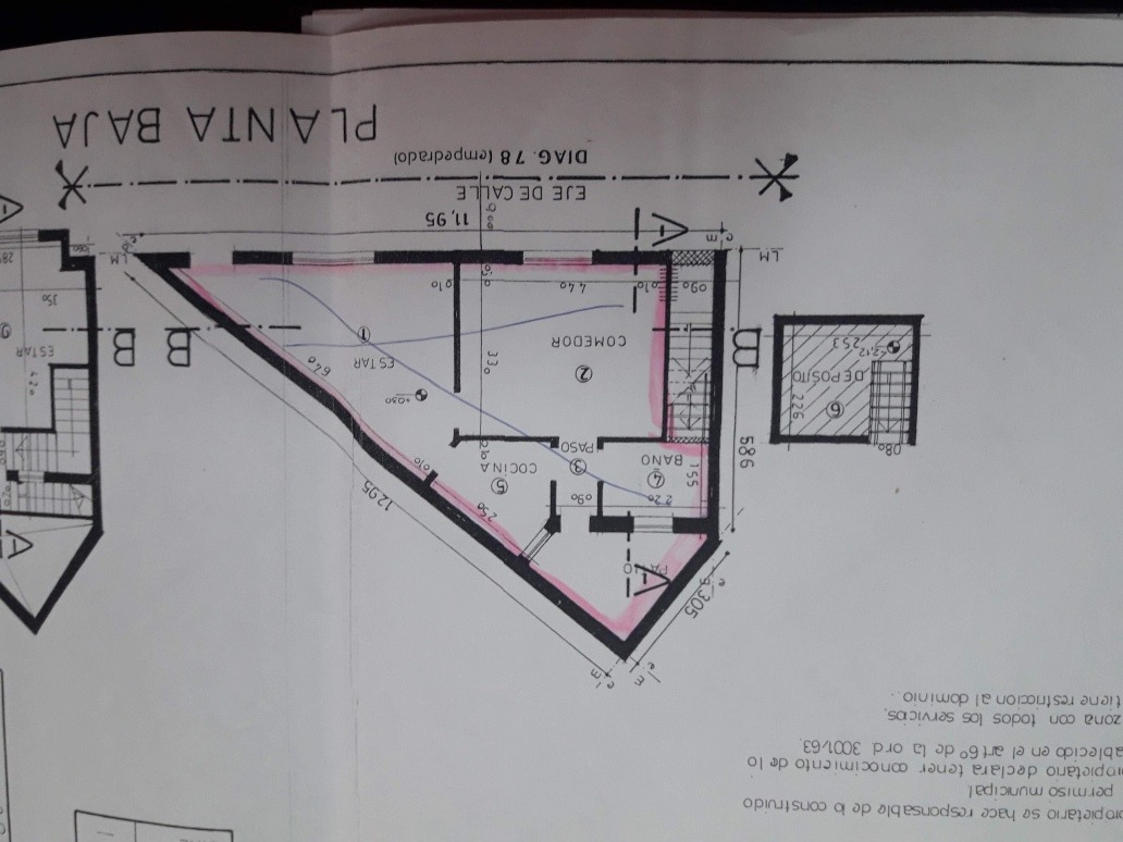 local sobre diagonal 78 e/ 8 y 61
