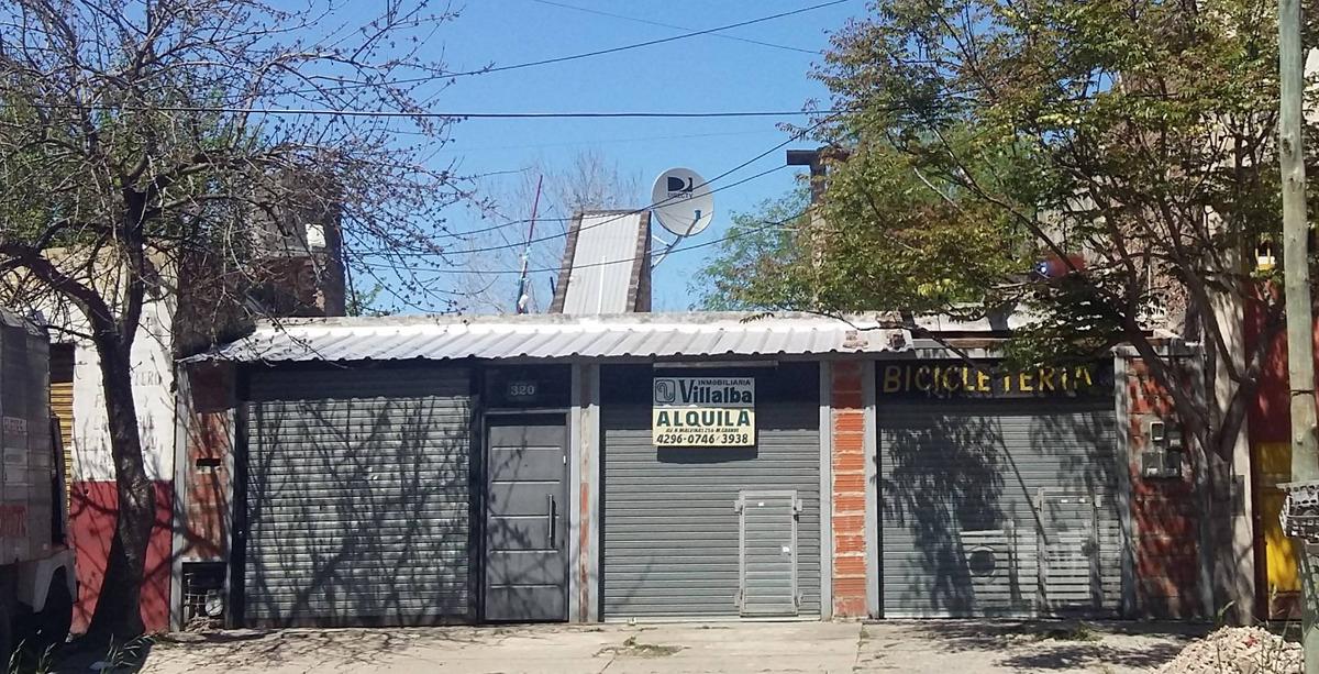 local ubicado sobre avenida