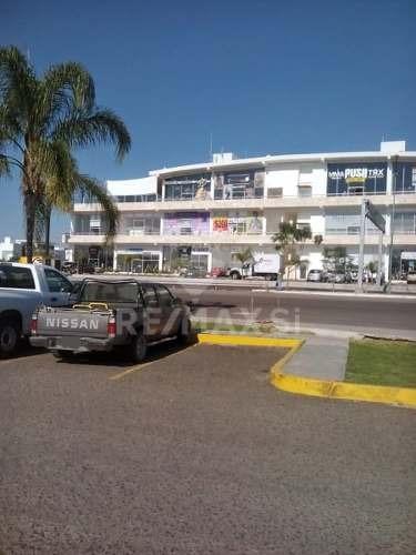 local venta juriquilla - plaza santa fe