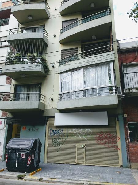 local - villa crespo