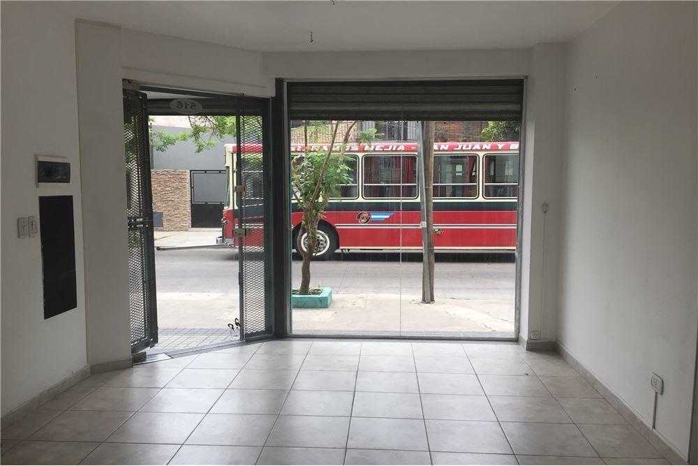 local, villa sarmiento, 2 cuadras est. ramos mejia