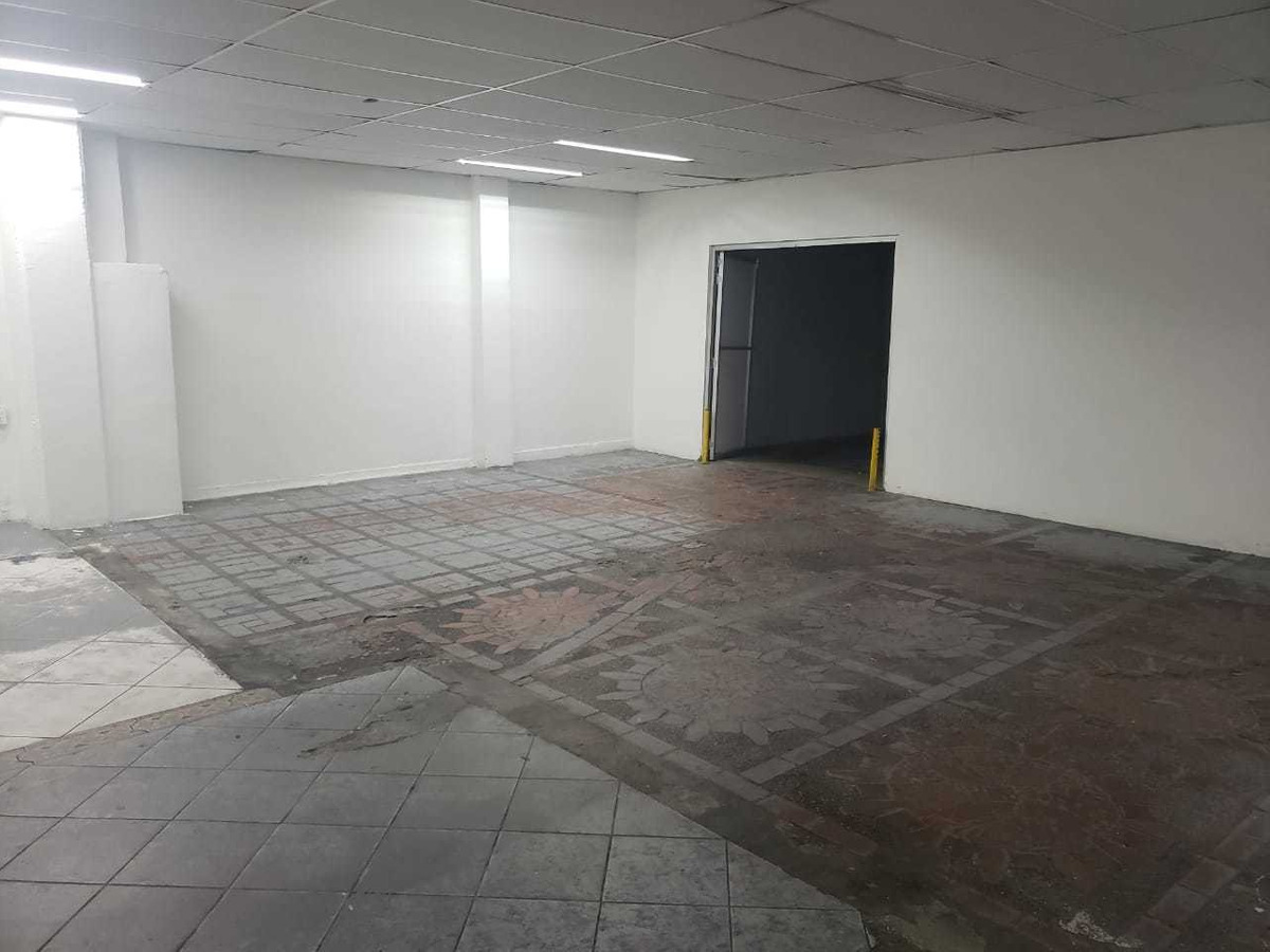 local/bodega en arriendo sector laureles 375m2