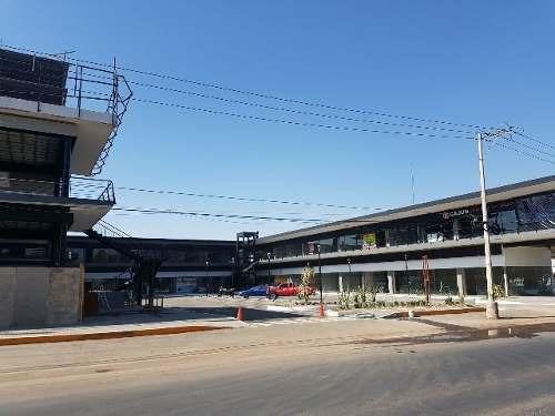 locales central plaza