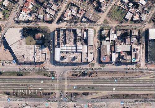 locales comerciales 2760 m² cubiertos frente a 3 calles - gonzalez catan