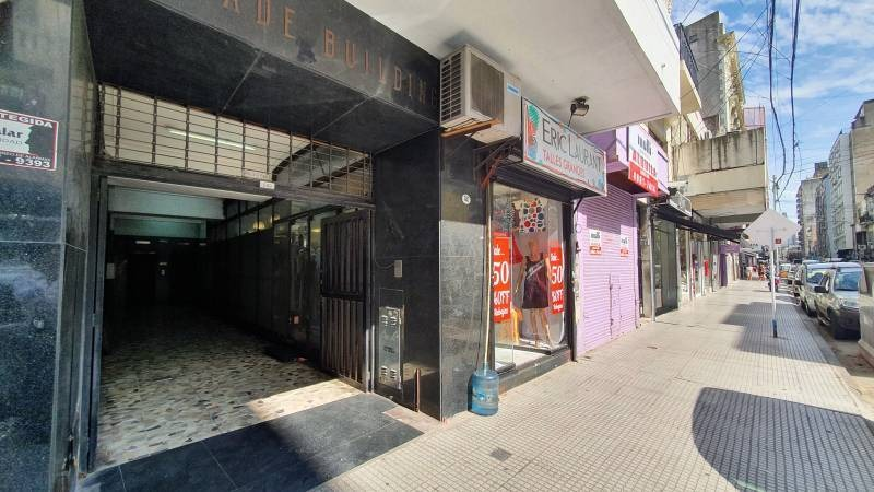 locales comerciales alquiler once