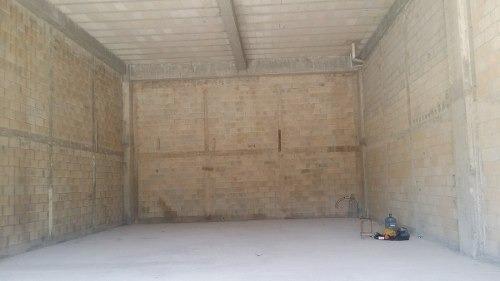 locales comerciales para remodelar en plaza huayacan