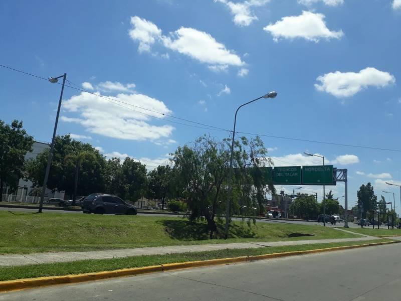 locales comerciales venta troncos del talar
