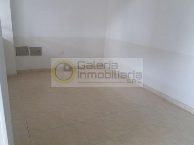 locales en arriendo bolivar 704-4420