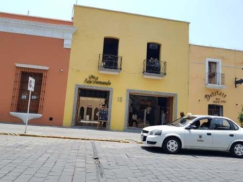 locales en plaza comercial en el zócalo de tlaxcala.